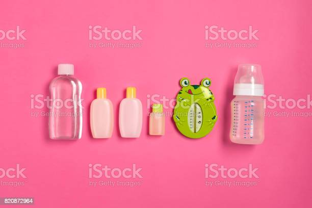 Baby accessories for bath with frog on pink background top view picture id820872964?b=1&k=6&m=820872964&s=612x612&h=6s7tl1syoj6ywhi2sp8fbwsojhumnizkzzrdhqvtc9a=