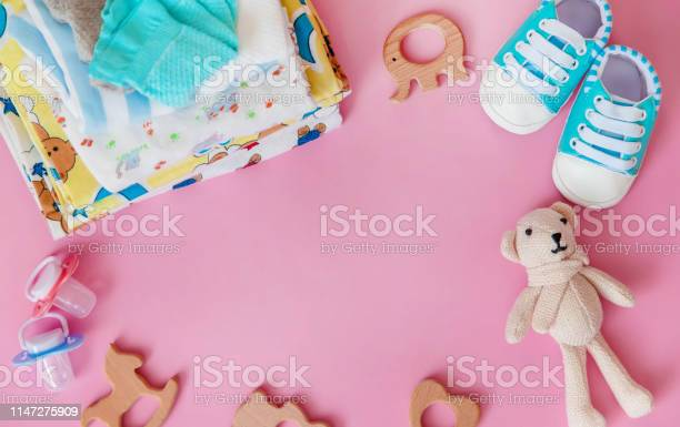 Baby accessories for newborns on a colored background selective focus picture id1147275909?b=1&k=6&m=1147275909&s=612x612&h=vhfrgsapypm2mikryuhz rvlrhrc0p wmjfj3vq3xac=