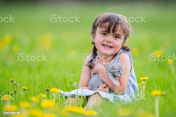 Baby and kitten picture id1080168198?b=1&k=6&m=1080168198&s=612x612&h=e9 plnp5dclyfs7 emrssytxv6xj3zevhru0szoliq4=