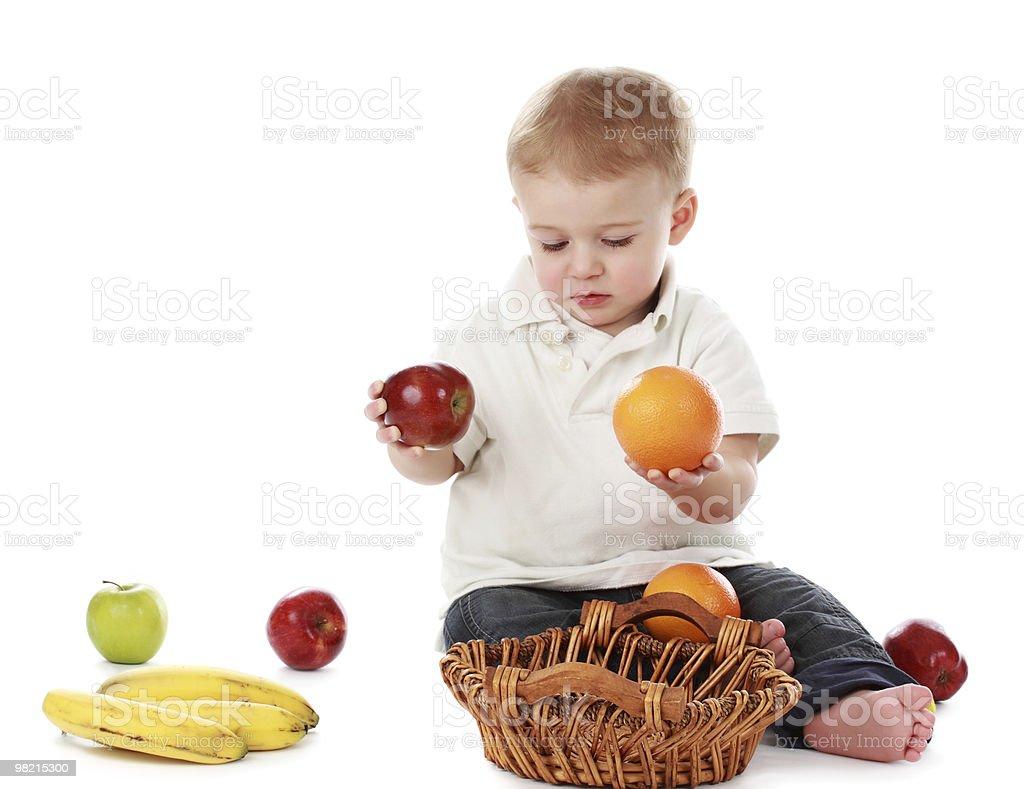 아기 남자아이 및 과일 royalty-free 스톡 사진