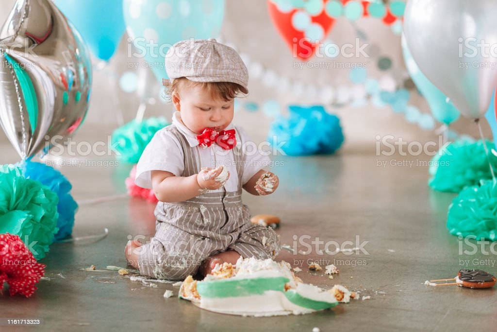 Excellent Baby Boy Touching His First Birthday Cake Making Messy Cakesmash Funny Birthday Cards Online Inifofree Goldxyz