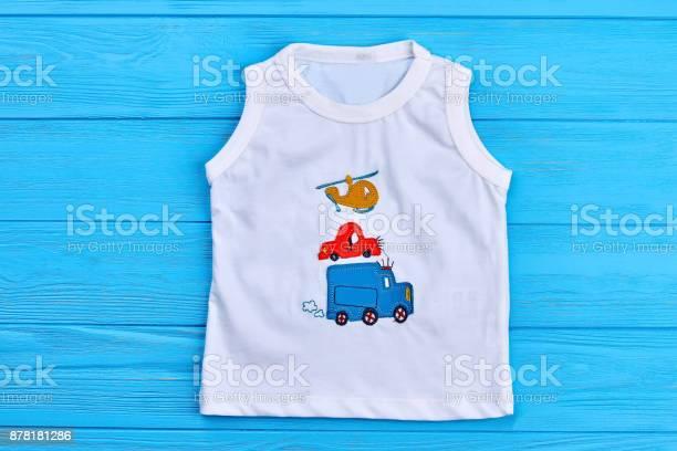 Baby boy white tshirt print design picture id878181286?b=1&k=6&m=878181286&s=612x612&h=ypchetrnhgmrjgtcufiwlxlk628rnawr6hzhsvxgmlw=