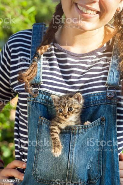Baby cat inside blue jeans pocket picture id675036454?b=1&k=6&m=675036454&s=612x612&h=zx5chajw1 0wohlm1cqr4wxjxq3uvpj2ccmveploxhm=