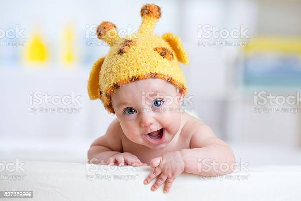 Baby child in costume of giraffe picture id537359996?b=1&k=6&m=537359996&s=612x612&h=dm vljgojyz2bzxgefykgzx1rzutuykekzrxted4fqo=
