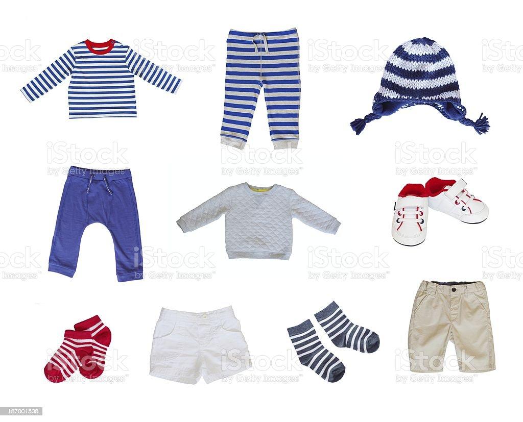 Kinderkleidung auf wäscheleine  Kinderkleidung - Bilder und Stockfotos - iStock