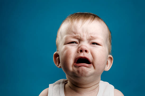 baby crying - gillen stockfoto's en -beelden