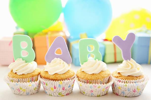bebé cupcakes - baby shower fotografías e imágenes de stock