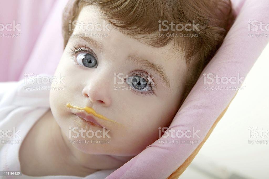 baby schmutzig Mund Essen Haferbrei – Foto