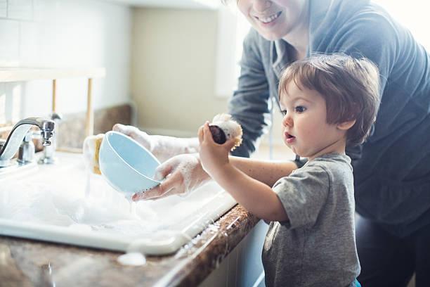 Baby Dish Washing foto