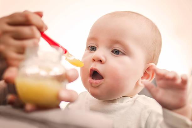 Comida de Bebê - foto de acervo