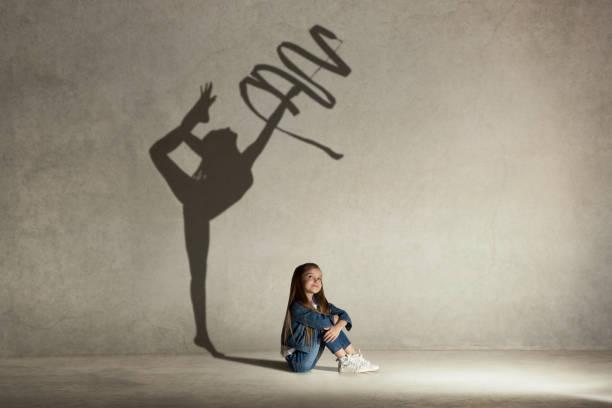 jimnastikçi meslek hakkında rüya bebeğim. çocukluk kavramı - rüya görmek stok fotoğraflar ve resimler