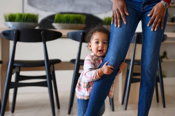 Bebek kız ilk adımlar stok fotoğrafı