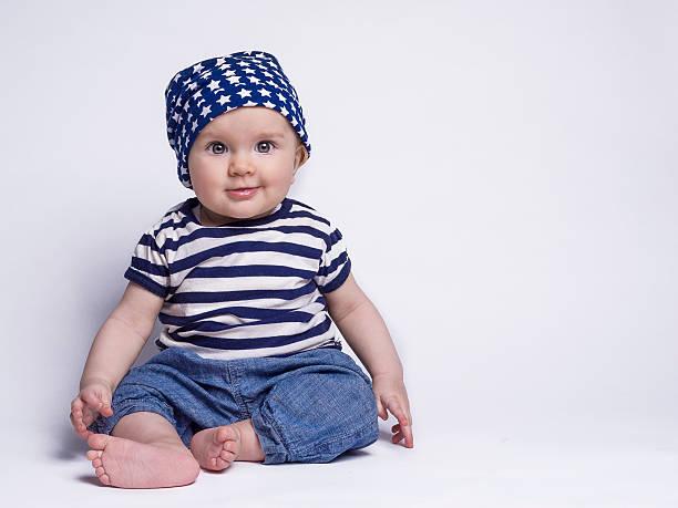 in süßen Outfits für Babys – Foto