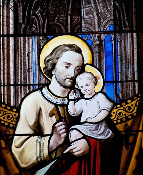 Baby Jesus und sein Vater Joseph – Foto