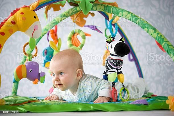Baby on playmat picture id153807307?b=1&k=6&m=153807307&s=612x612&h=m ar3au9zzqtzk8tskq 3yfxfr4gqxtc5wpebnumqng=