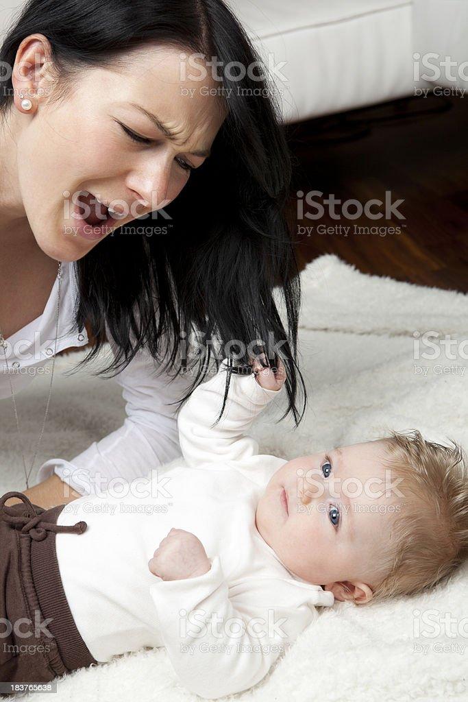 Baby Zieht Sich Hoch Bilder Und Stockfotos Istock