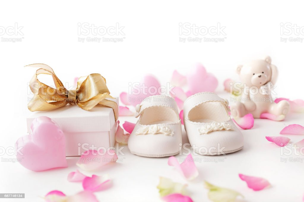 baby shoes and gift - foto stock