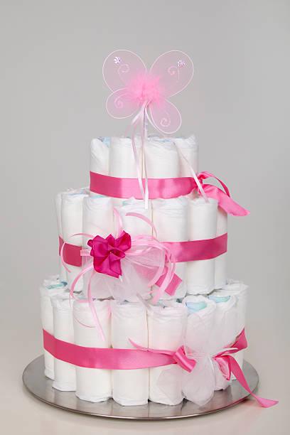 baby dusche'cake'aus windeln (xxl - windel partys stock-fotos und bilder