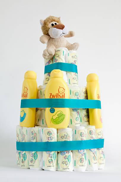 baby dusche kuchen - windel partys stock-fotos und bilder