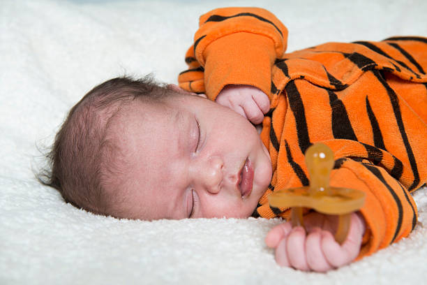 baby sleeps without dummy - Photo