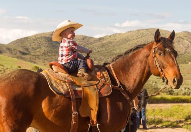 Baby Sohn Reitpferd bei Santaquin Salt Lake City SLC Utah USA – Foto