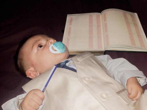 baby-lehrer - sterntaufe stock-fotos und bilder