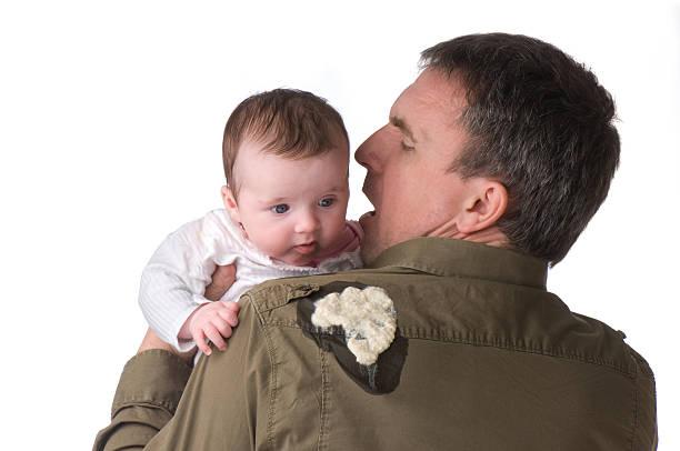 baby erbrochenes - kotze stock-fotos und bilder