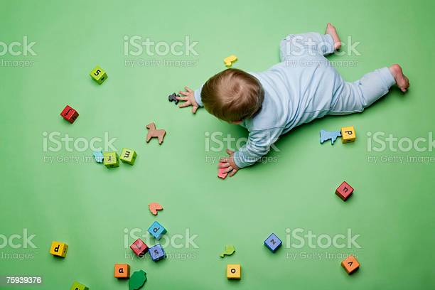 Baby with building blocks picture id75939376?b=1&k=6&m=75939376&s=612x612&h=tjnq2asgkuvbfrcarqjdofk6yk1np ggji4a71b2t3c=
