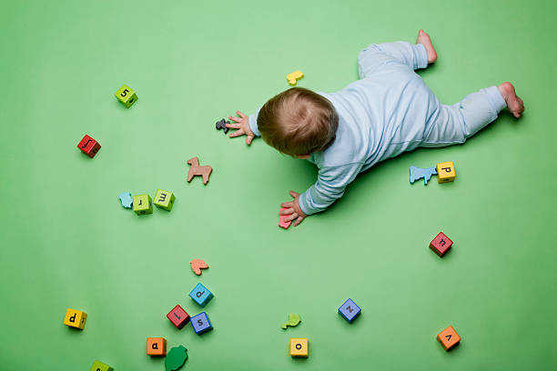 Baby with building blocks圖像檔