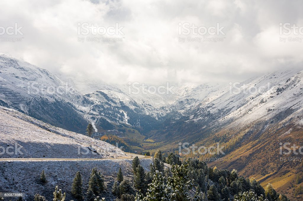 back end of a valley foto de stock royalty-free