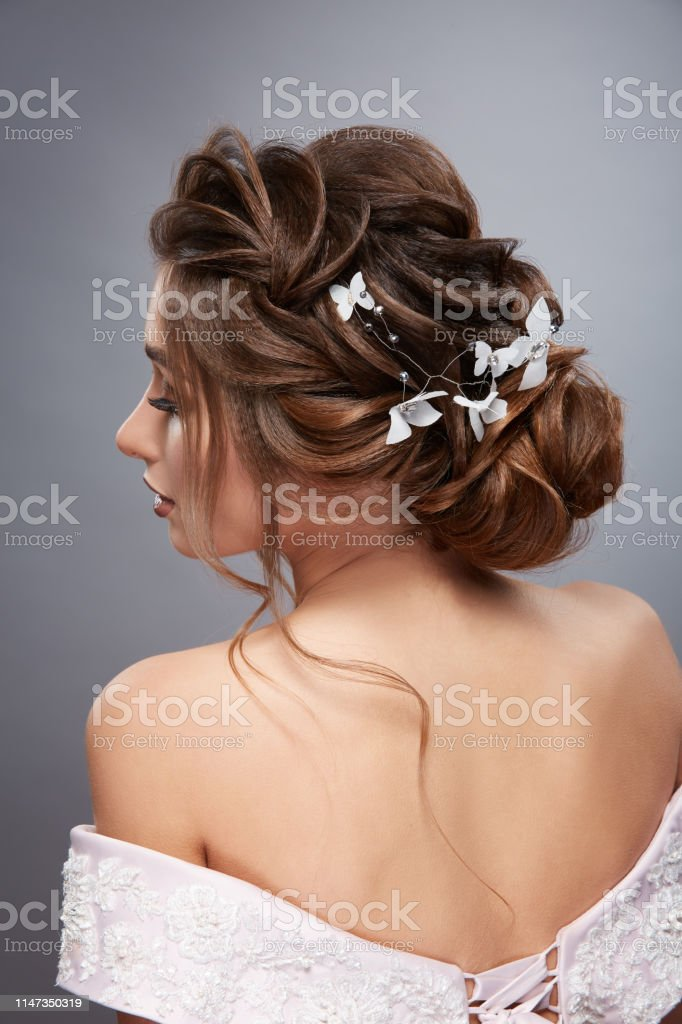 Back Of Womens Head Looking Sideways With Professional Hairstyle Stock Photo Download Image Now Istock