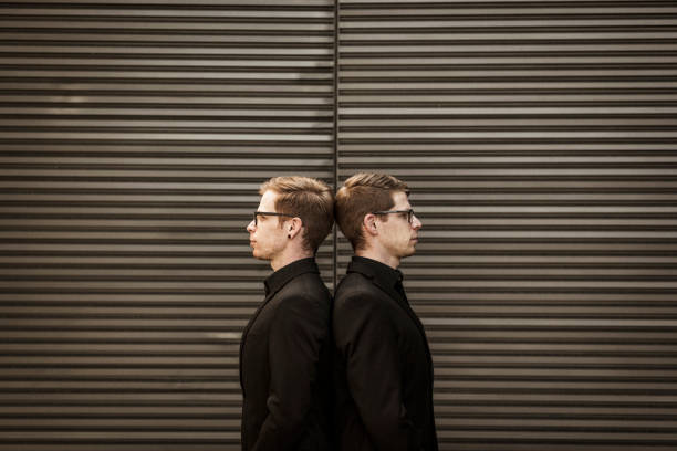 Rücken an Rücken, Twin brothers – Foto