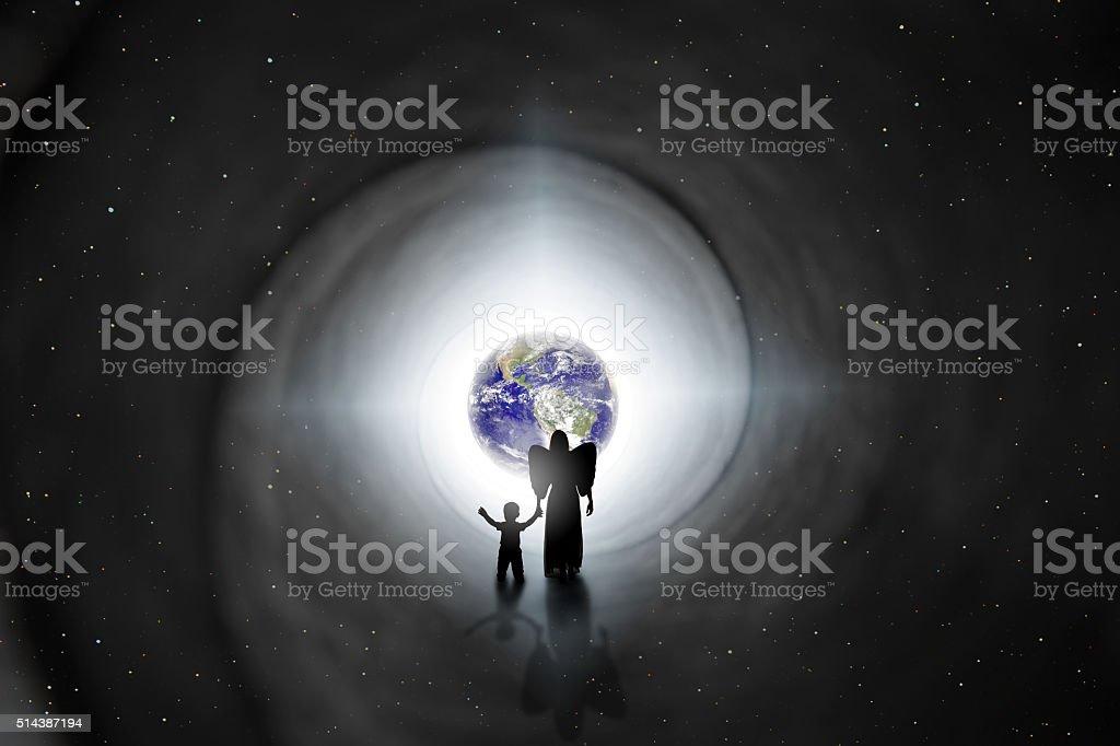 Zurück zur Erde Reinkarnation Konzept – Foto