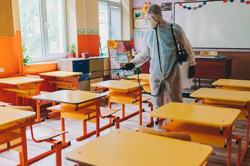 Back To School After Covid19 - Fotografie stock e altre immagini di Adulto