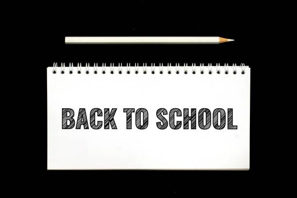 zurück zur Schule, schwarze Schraffur Text im weißen Editor – Foto
