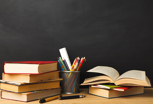 istock Back to school conceptual background 909926482