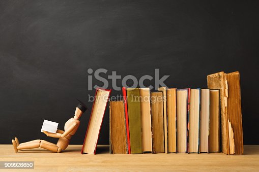 istock Back to school conceptual background 909926650