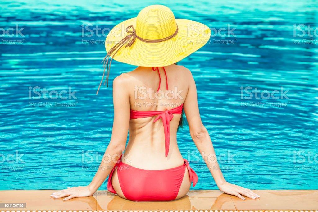 Red sonja bikini