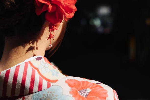 Rückansicht von Kimono Mädchen – Foto