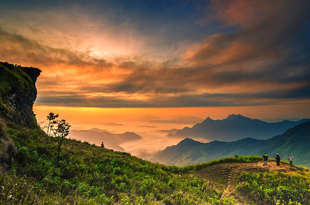 background blur sea fog on the mountain with the sky - new world stockfoto's en -beelden