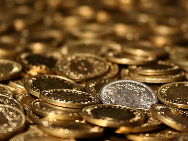 Hintergrund von Münzen aus verschiedenen Ländern – Foto