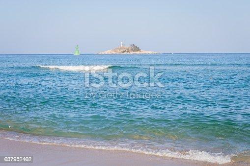 istock background of beach 637952462