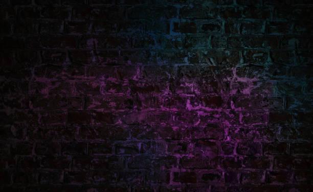 hintergrund leerer backsteinwand mit neonlicht - keller organisieren stock-fotos und bilder