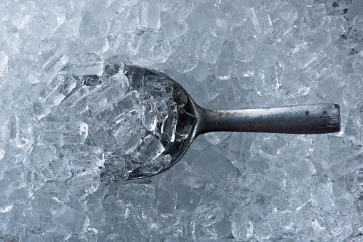 Arka Plan Buz Tüp Ve Metalden Yapılmış Buz Kepçe Stok Fotoğraflar & Arka planlar'nin Daha Fazla Resimleri
