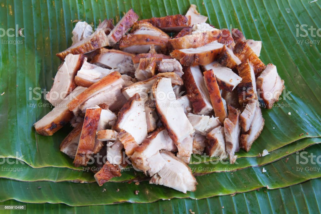 Background of roasted pork on banana leaf foto stock royalty-free