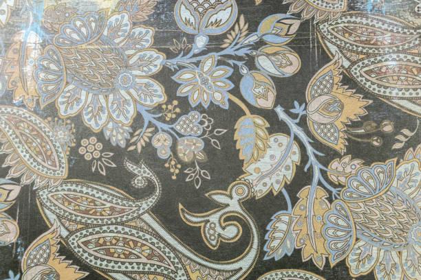 arrière plan à motif cashmir bleu vert et ocre, tissu de damas - damas en matière textile photos et images de collection