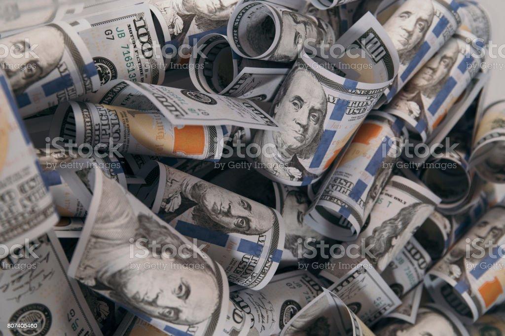 Fondo con un montón de billetes de 100 dólares - foto de stock