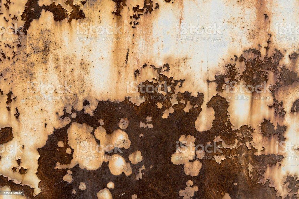 Tło z rdzą na starej powierzchni ściany - Zbiór zdjęć royalty-free (Architektura)