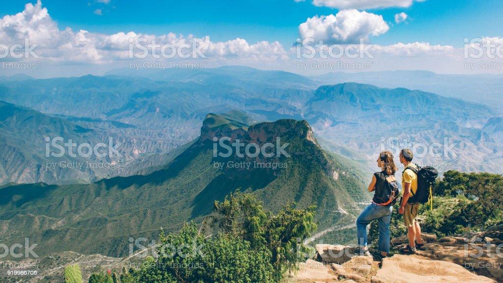 Rucksacktouristen Wandern Sierra Gorda in Mexiko – Foto