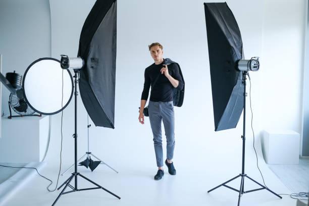 Backstage Mann Arbeitsplatzkonzept Foto studio – Foto